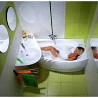 вариант яркого интерьера ванной 3 кв.м фото
