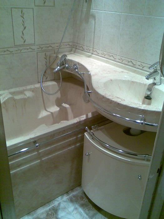 пример красивого интерьера ванной комнаты в хрущевке