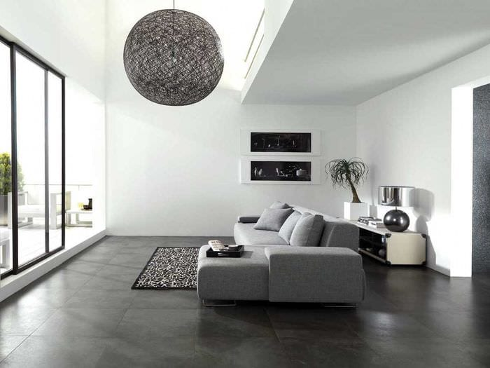 вариант светлого декора гостиной комнаты в стиле минимализм