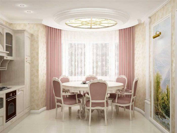 пример необычного дизайна гостиной с эркером