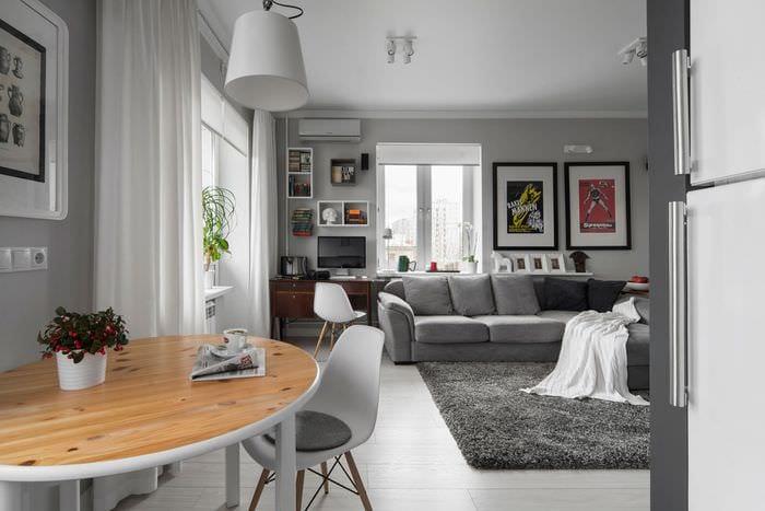 пример светлого интерьера гостиной комнаты 25 кв.м