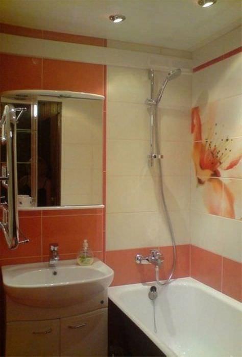 вариант красивого интерьера ванной комнаты в хрущевке