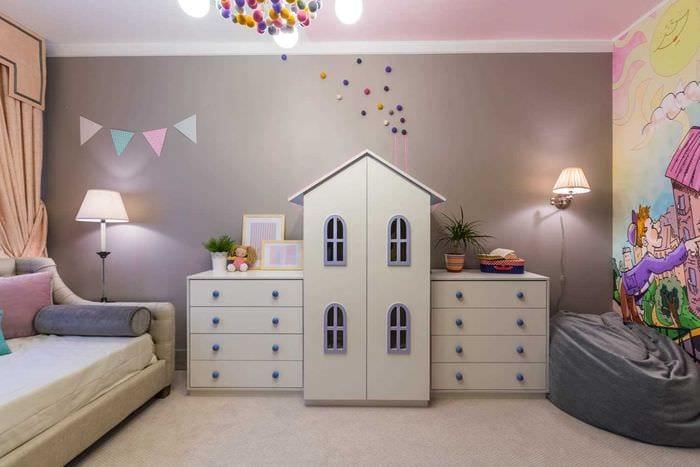 вариант светлого интерьера детской комнаты для девочки