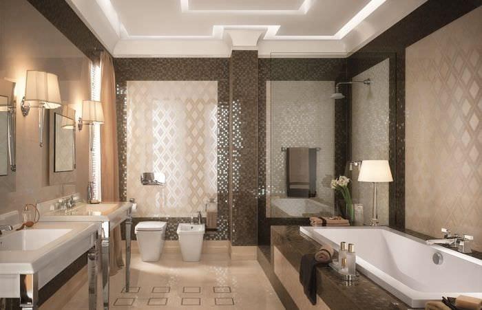 пример красивого интерьера ванной в бежевом цвете