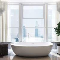 идея современного стиля ванной комнаты с окном фото