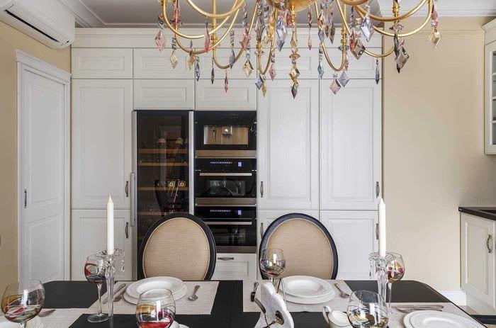 идея яркого дизайна комнаты в стиле современная классика