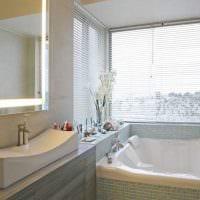 идея современного стиля ванной комнаты с окном картинка