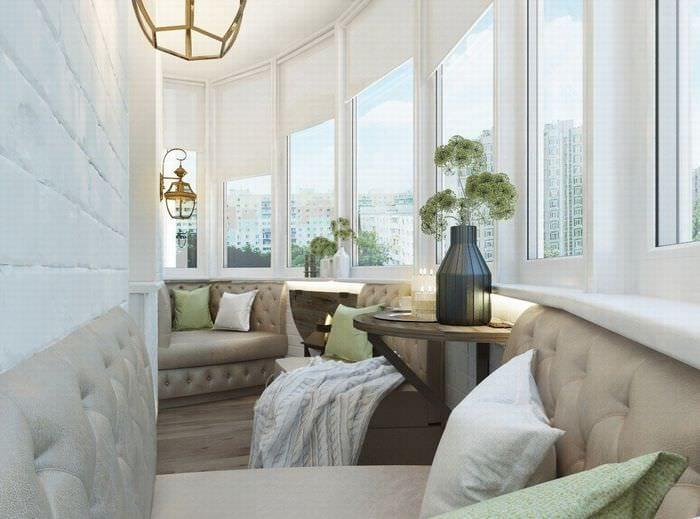 идея яркого декора комнаты в светлых тонах в современном стиле