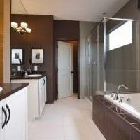 идея сочетания насыщенного коричневого цвета в дизайне спальни картинка