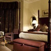 вариант сочетания насыщенного коричневого цвета в интерьере гостиной фото
