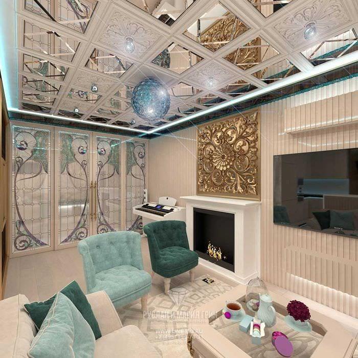 вариант яркого интерьера гостиной с камином