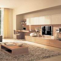 вариант яркого декора гостиной комнаты в стиле минимализм фото