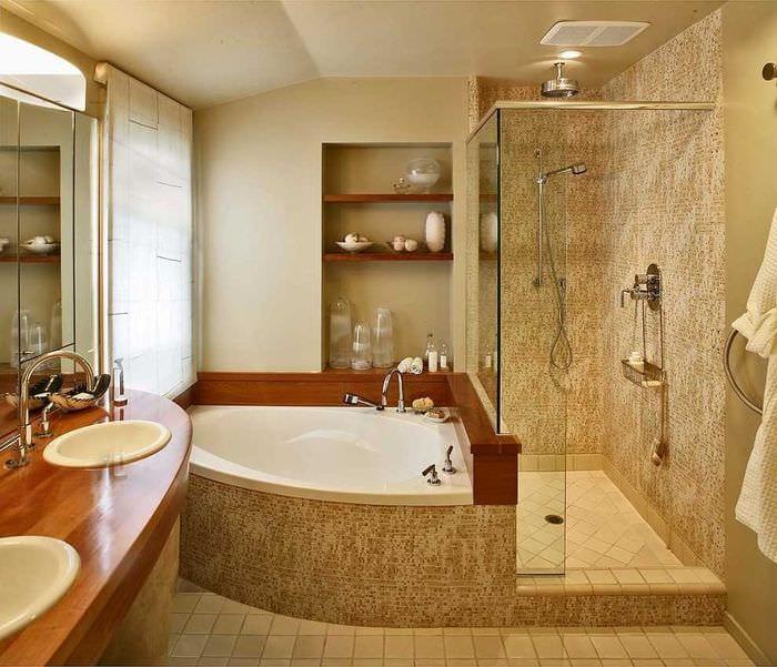 Интерьер маленькой ванной комнаты фото с угловой ванной