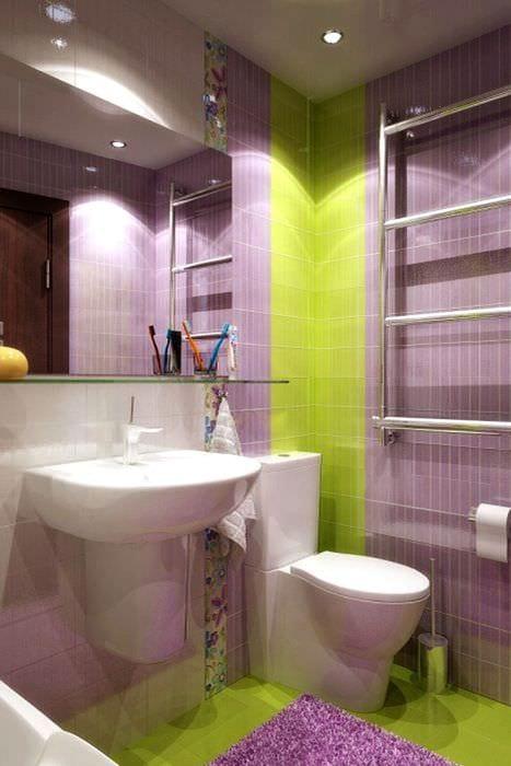 вариант необычного интерьера ванной комнаты в хрущевке