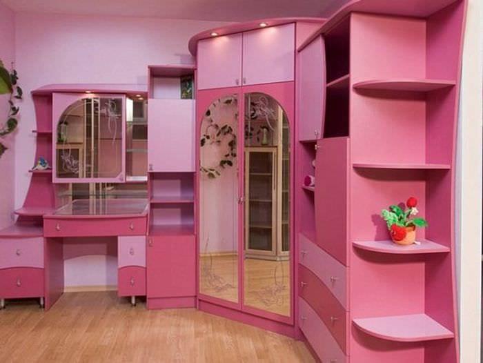 идея необычного интерьера детской комнаты для девочки