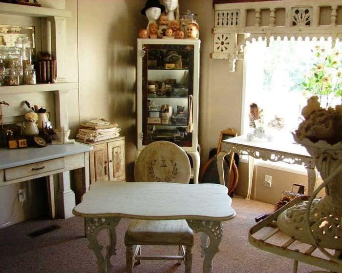 вариант применения необычного интерьера комнаты в стиле ретро