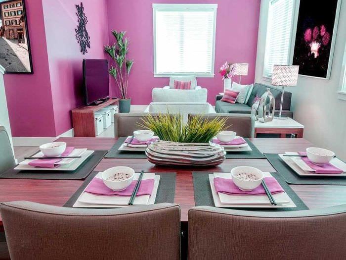 идея применения розового цвета в необычном декоре квартире