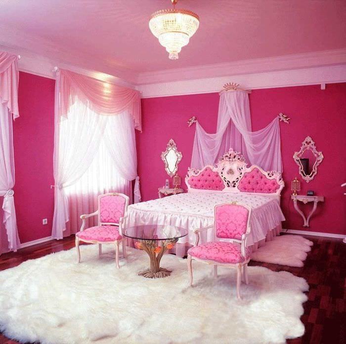 пример использования розового цвета в красивом дизайне комнате