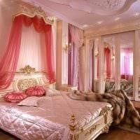 идея использования розового цвета в ярком дизайне комнате фото