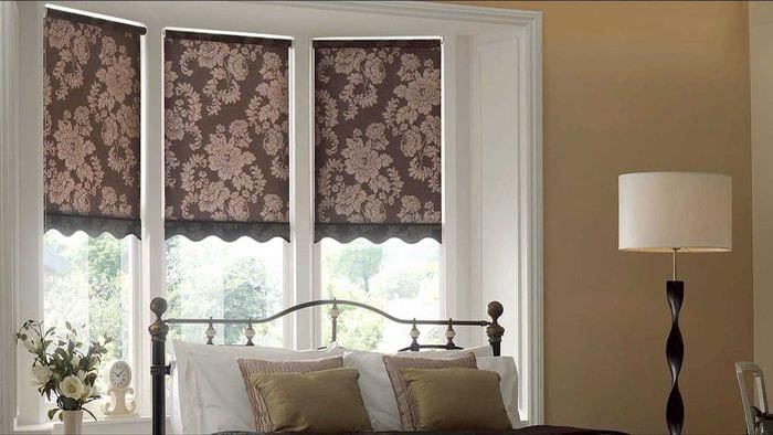 пример использования современных штор в красивом интерьере комнате