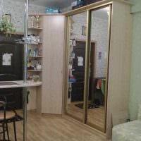 идея светлого интерьера небольшой комнаты в общежитии картинка