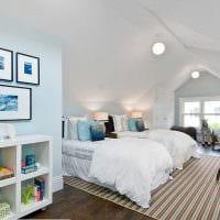 вариант светлого стиля детской комнаты для двоих девочек фото