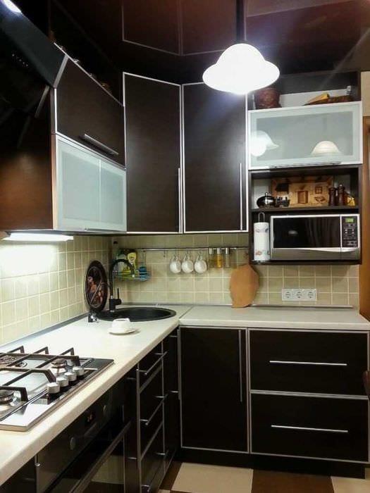 идея красивого интерьера кухни 8 кв.м