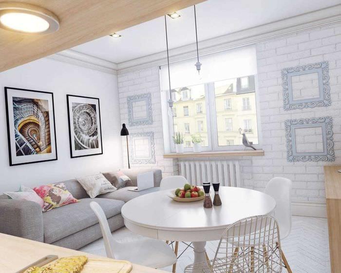 вариант необычного декора маленькой комнаты