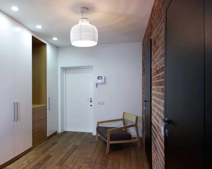 идея красивого интерьера современной прихожей комнаты