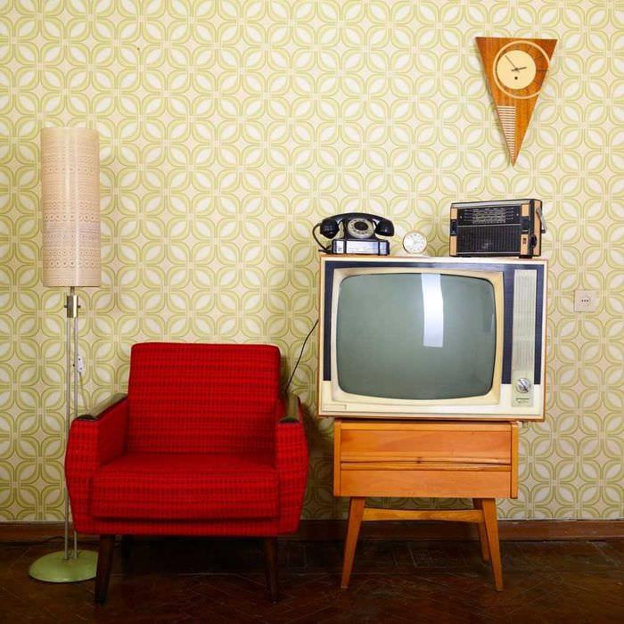 вариант яркого декора квартиры в советском стиле
