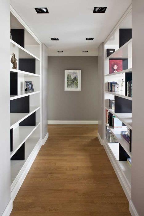 вариант яркого дизайна современной прихожей комнаты