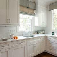 пример применения светлого декора кухни картинка
