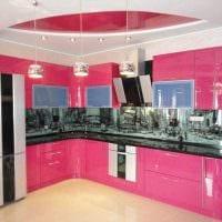 вариант использования розового цвета в необычном интерьере комнате картинка