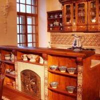 пример применения русского стиля в красивом декоре квартире картинка
