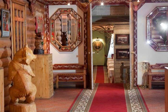 вариант использования русского стиля в красивом дизайне квартире