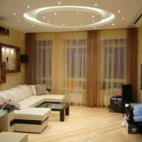 вариант использования светового дизайна в ярком интерьере дома картинка