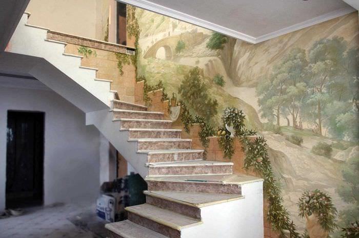 вариант необыкновенного дизайна квартиры с росписью стен