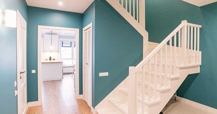 вариант красивого сочетания цвета в интерьере современной комнаты