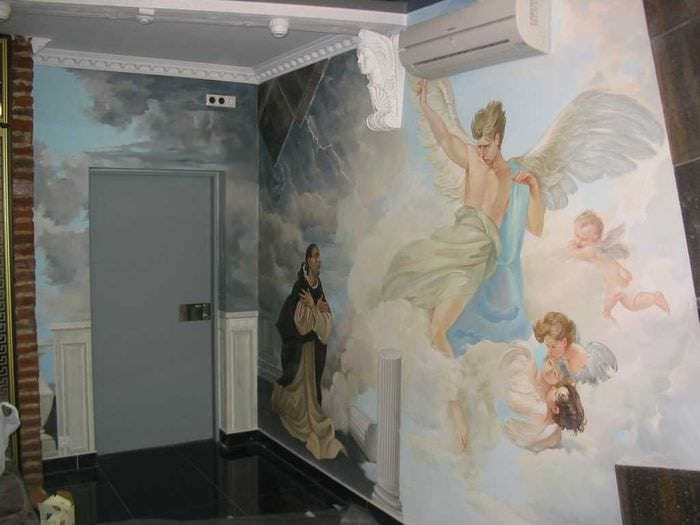 мысль ясного образа дома с росписью стен