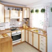пример светлого декора кухни 8 кв.м фото