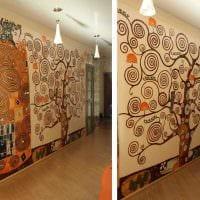 вариант красивого интерьера квартиры с росписью стен картинка