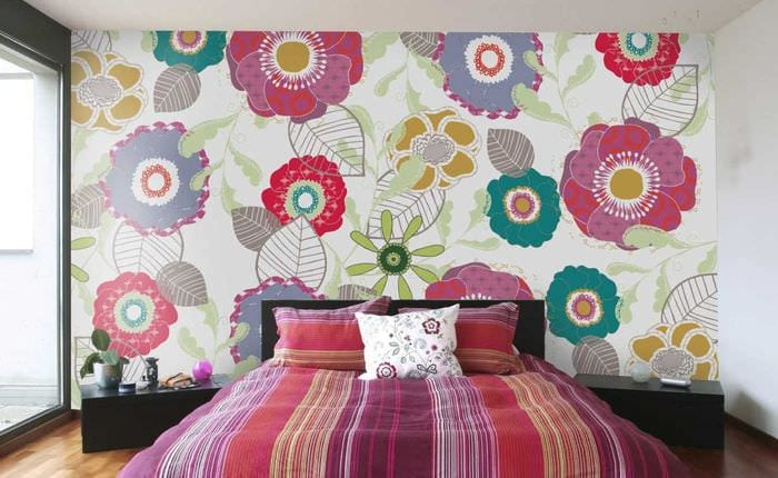 идея яркого стиля дома с росписью стен