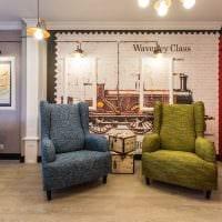 пример применения яркого интерьера комнаты в стиле ретро фото
