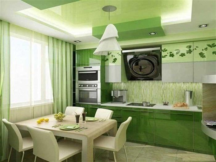 пример применения зеленого цвета в светлом интерьере комнаты