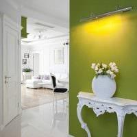 пример использования зеленого цвета в светлом дизайне квартиры фото