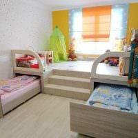 вариант необычного дизайна детской комнаты для двоих детей картинка