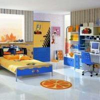 пример яркого декора детской комнаты для двоих детей фото