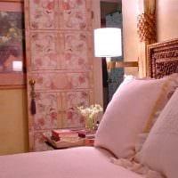 идея применения розового цвета в необычном интерьере комнате картинка