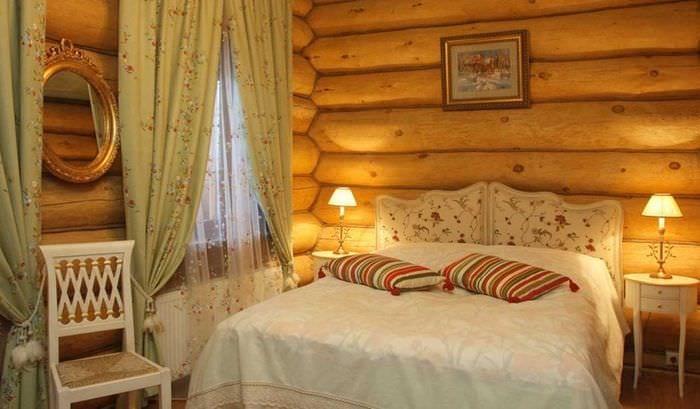 пример применения русского стиля в необычном дизайне комнате