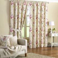 вариант использования современных штор в красивом интерьере комнате картинка